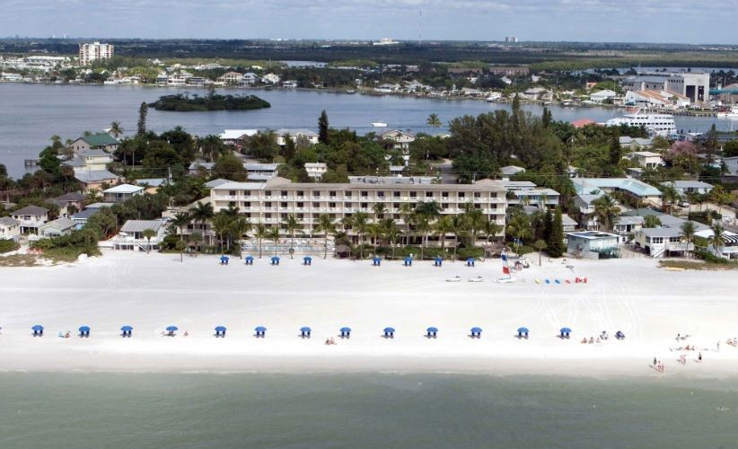 On A Secluded Private Beach At The North End Of Estero Island Best Western Plus Resort Is Your Slice Paradise In Beautiful Fort Myers